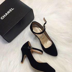 Nhận đóng giày dép nam nữ theo yêu cầumẫu mã có thể theo catolo hoặc theo mẫu của khách giá sỉ
