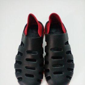 Giày nhựa nam giá sỉ