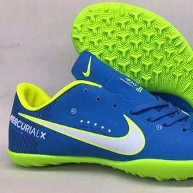 Giày bóng đá phủi giá sỉ