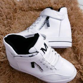 giày nâng đế phong cách đẹp