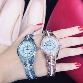 Đồng hồ trung cấp giá sỉ