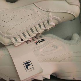 Sỉ giày sneaker Fila rẻ giá sỉ
