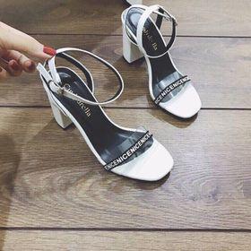 giày gót vuông quai in chữ giá sỉ