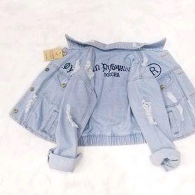 Áo khoác jean nữ thêu chữ R giá sỉ
