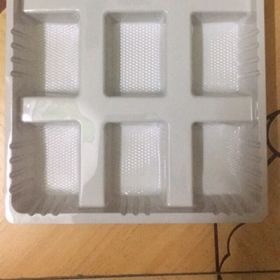 khay nhựa bánh kẹo giá sỉ