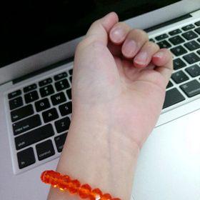 chuỗi đeo tay phong thủy pha lê màu cam giá sỉ