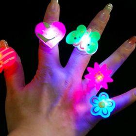 nhẫn đeo tay có đèn có sẵn pin nhẫn đèn giá sỉ