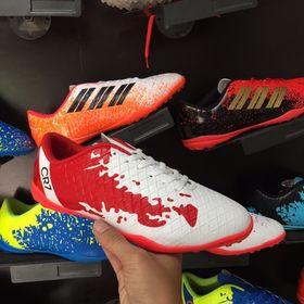 Giày bóng đá giá sỉ