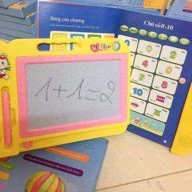 Combo sách song ngữ và bảng từ giá sỉ