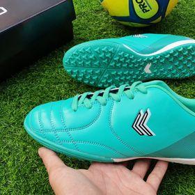 giày đá bóng cao