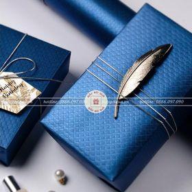 Giấy gói quà hoa văn nổi giá sỉ