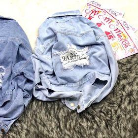 Áo khoác jean nữ đắp thêu chữ giá sỉ