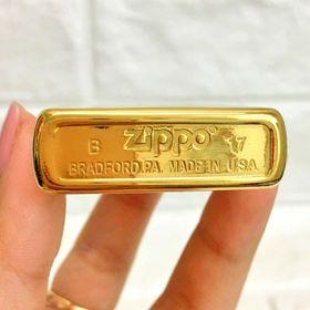 Zippo usa tem đỏ
