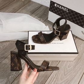 Giày sandal cao gót in hoa tiết giá sỉ
