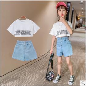 Đồ bộ bé gái áo croptop màu trắng quần short bò cạp cao TE2562 giá sỉ