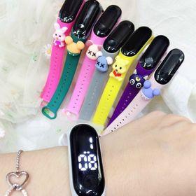Đồng hồ led đeo tay phát sáng giá sỉ