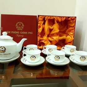 Bộ ấm chén/tách trà Bát Tràng in logo dáng KHONGKONG vẽ vàng kim 24k giá sỉ