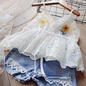 Bộ bé gái - quần short bò gấu ren + áo ren hai dây thêu hoa cúc màu trắng giá sỉ