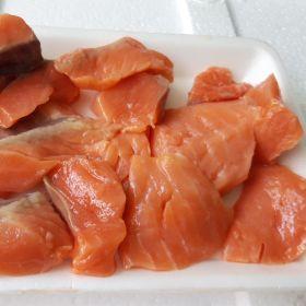 Cung cấp sỉ rẻo vụn cá hồi Nauy làm cháo dinh dưỡng, ruốc cá hồi giá sỉ