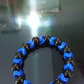 Chuỗi đeo tay đá đen mix xanh dương giá sỉ