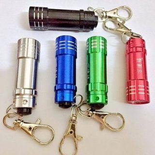 Đèn pin móc khóa 3 bóng siêu sáng giá sỉ