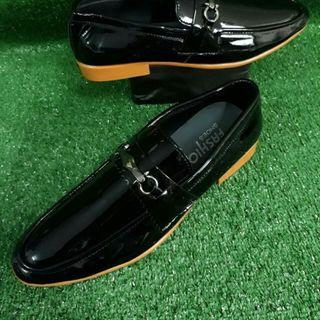 Giày nam đen giá sỉ