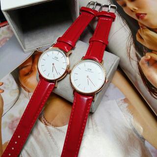 Đồng hồ màu đỏ thời trang WD giá sỉ