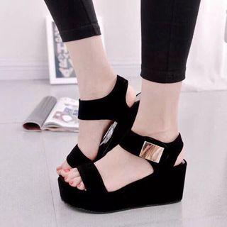 giày sandal xuồng siêu đẹp giá sỉ