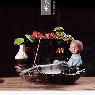 Thác khói trầm hương chú tiểu tọa thiền trên chùa giá sỉ
