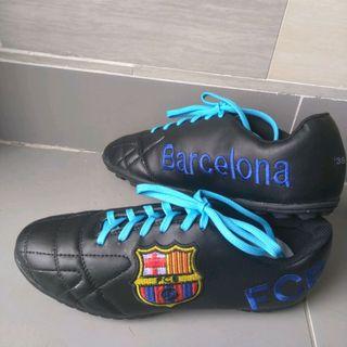 sỉ giày bóng đá sân cỏ nhân tạo thêu logo giá sỉ