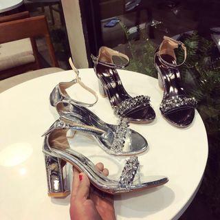 giày đính hoa đá giá sỉ