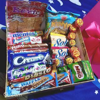 hộp quà bánh kẹo 230k giá sỉ