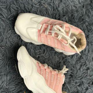 Giày nữ lẻ size giá sỉ