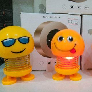 Emoji lò xo có đèn - Thú nhún lắc đầu lò xo vàng có đèn giá sỉ