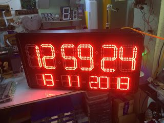 Đồng hồ treo tường led lịch vạn niên siêu sáng giá sỉ
