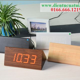 Đồng hồ Led gỗ để bàn - Hình tam giác Plus giá sỉ
