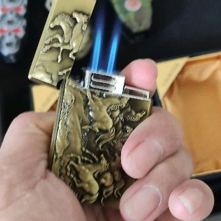 bật lửa hình mã đáo thành công 2 tia lửa giá sỉ