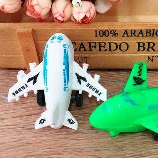 Máy bay đồ chơi trẻ em bằng nhựa giá sỉ
