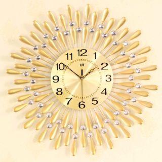 Đồng hồ treo tường hình giọt nước size 60x60cm giá sỉ