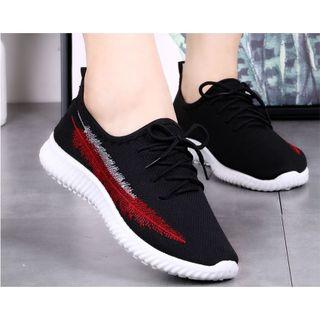Giày Sneaker Nữ Hình Lá giá sỉ