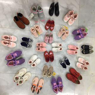 Lô 30 đôi giày trẻ em giá sỉ
