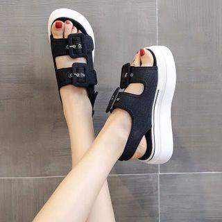 Giày sandal đế bánh mì cá tính giá sỉ
