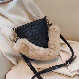 Túi xách quai phối lông giá sỉ