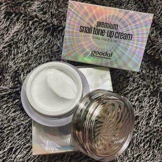 Kem ốc sên Goodal Premium Snail Tone Up Cream 50ml Hàn Quốc giá sỉ