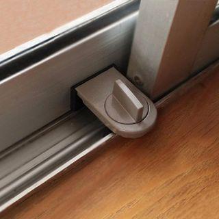 Chốt khóa chặn cửa lùa, cửa kéo giá sỉ