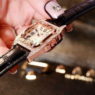 Đồng hồ da nữ DZG mặt vuông giá sỉ