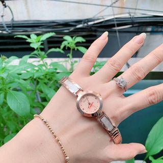 Đồng hồ nữ dây thép Gu,cci giá sỉ