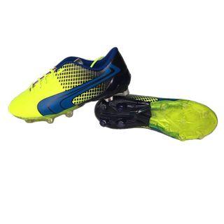 Giày đá bóng Sân tự nhiên giá sỉ