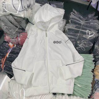 Áo Hoodie logo in nổi form dưới 70kg thun nỉ ngoại mềm mịn giá sỉ