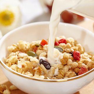 Ngũ cốc dinh dưỡng ăn kiêng Calbee Nhật Bản- sản phẩm ngũ cốc mix hoa quả tiện dụng hỗ trợ giảm cân giá sỉ